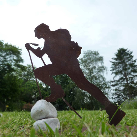 Metall Bergsteiger Deko Figur Bergwanderer mit Fels
