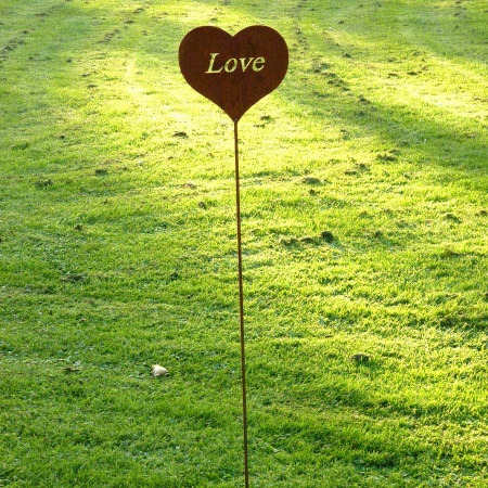 Metallherz Love Gartenstecker 100 cm