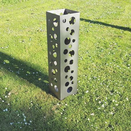 Design Feuerkorb Metall mit runden Ausschnitten