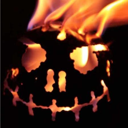 Feuerkugel Edelstahl mit Grinsegesicht