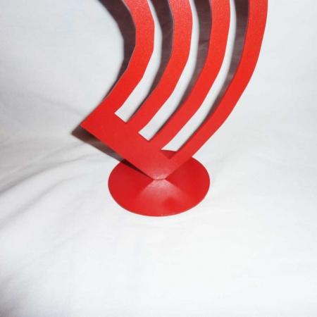 Modernes Kunstobjekt Metall Windharfe rot