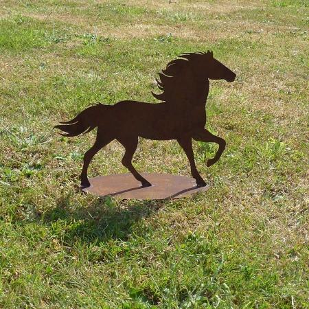 Pferdefigur Edelrost auf Bodenplatte