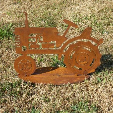 Traktor Deko Metall Trecker auf Bodenplatte