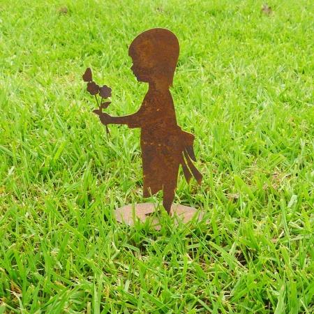 Kleine Skulptur Mädchen mit Blume Metall Dekofigur