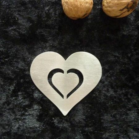 Nussknacker mit Herz als Geschenkidee