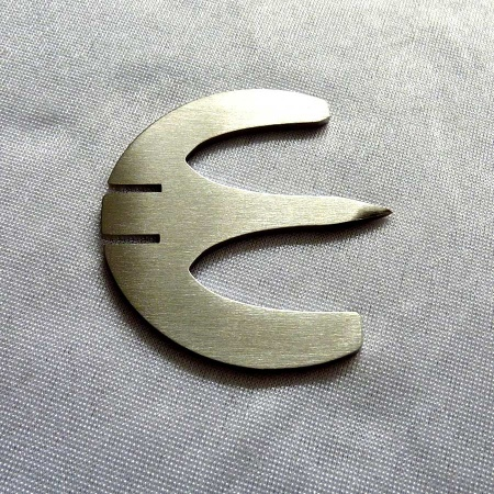 Edelstahl Nussknacker Euro Zeichen Look