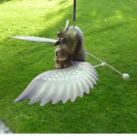 Windspiel Eule Metall mehrfarbig mit Feder Eulenhänger
