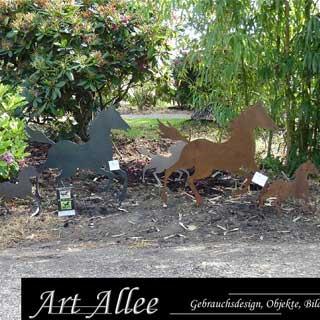 Ausstellung Pferde aus Metall von Art Allee