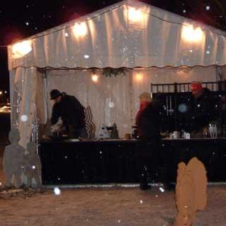Markt an Weihnachten in Nieper Kuhlen am Altrhein